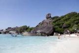 Власти Таиланда запретили спать туристов на островах